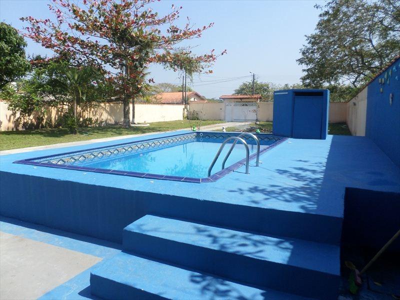 linda chácara com piscina em itanhaém