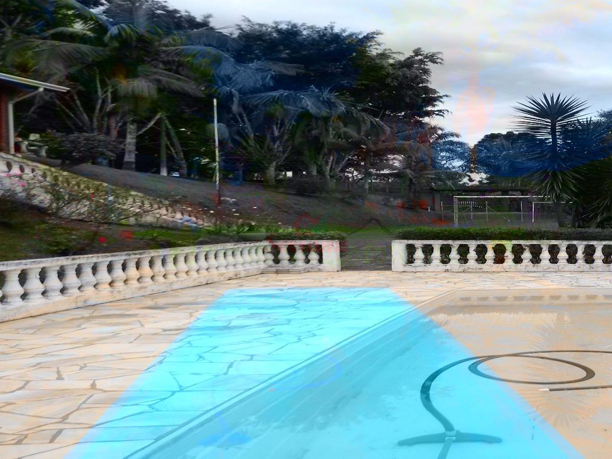 linda chácara com piscina salão de festa fácil acesso