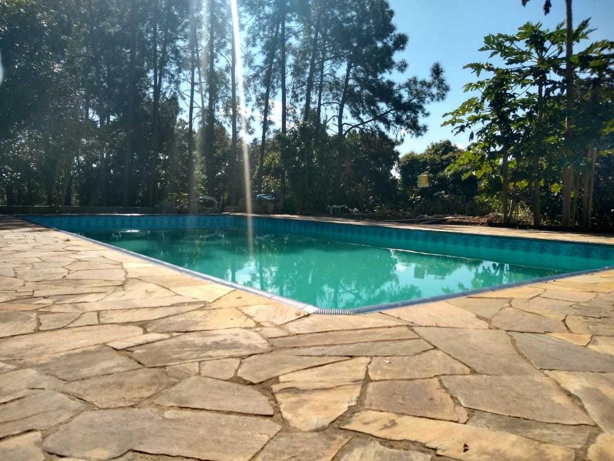 linda chácara de 6000m com piscina, pomar e campo de futebol