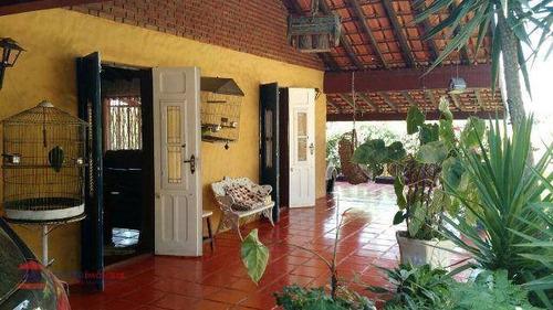 linda chácara em bairro com boa localização de fácil acesso - ch0058