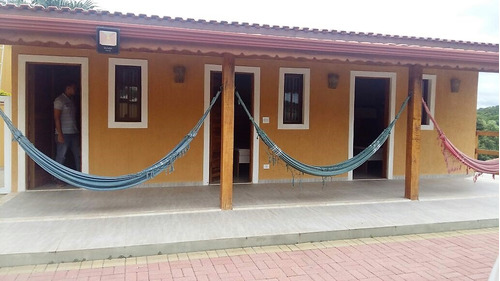 linda chácara em condomínio, com área de 4.000 m².