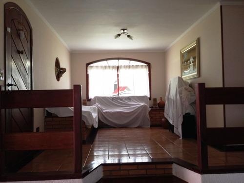 linda chácara em condomínio de alto padrão em ibiuna!