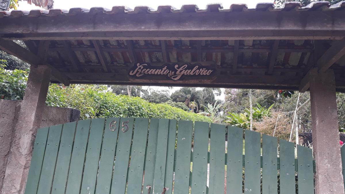 linda chácara em ibiúna  condomínio fechado....