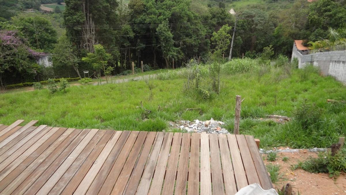 linda chácara em ibiúna, excelente localização
