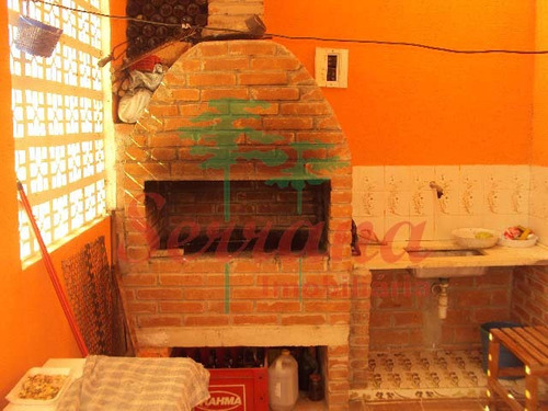 linda chácara em juquitiba área de churrasqueira