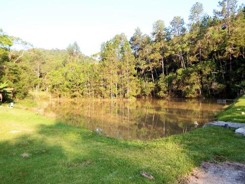 linda chácara em juquitiba com piscina e belo lago