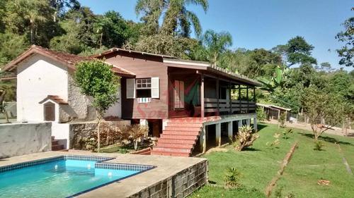 linda chácara em juquitiba com piscina e casa pré fabricada