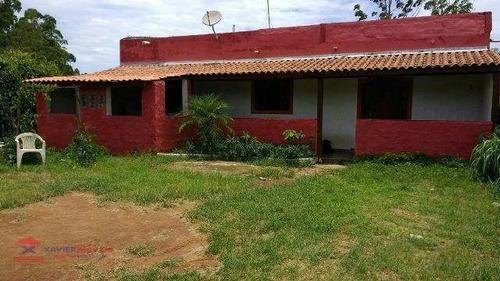 linda chácara espaçosa em bairro com boa localização - ch0043