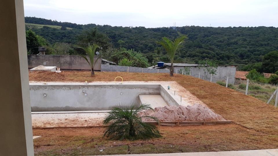 linda chácara nova com piscina em ibiúna