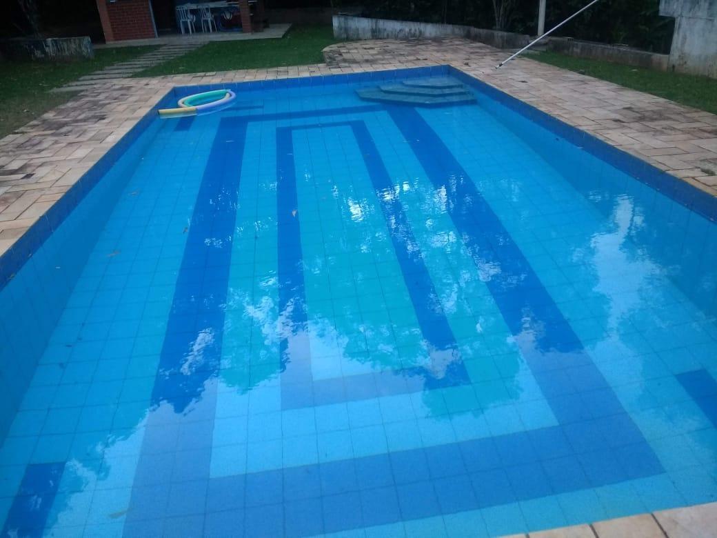 linda chácara para lazer ou moradia com piscina