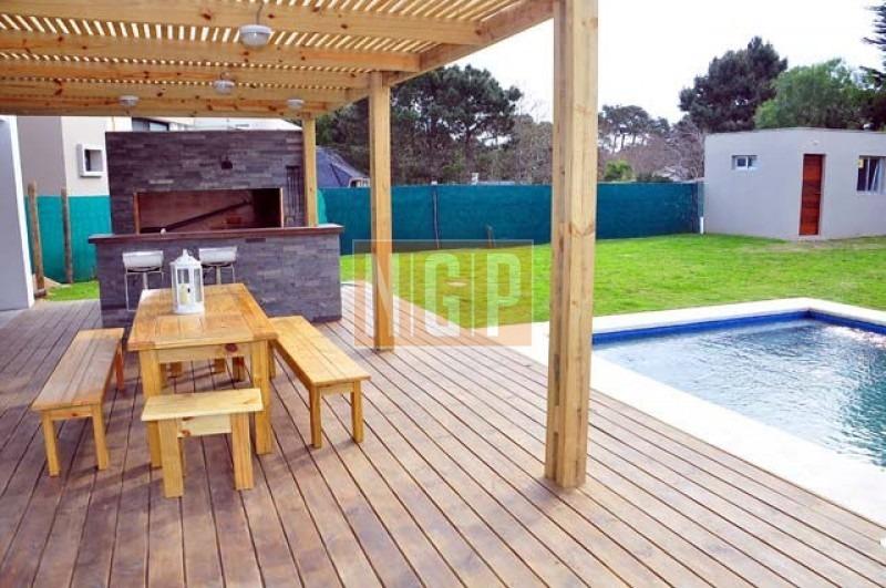linda decorada con piscina muy buena decoracion-ref:21328