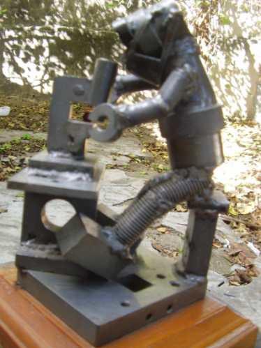 linda estátua de peças  ass.  artista plástico jaime  25 cm
