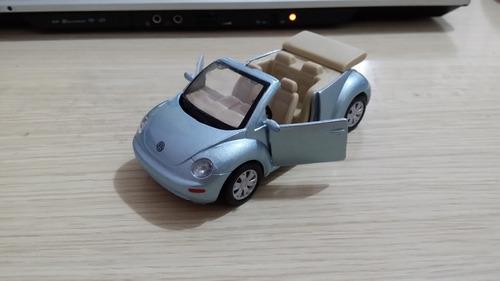 linda miniatura maisto new beetle conversível - vejam a foto