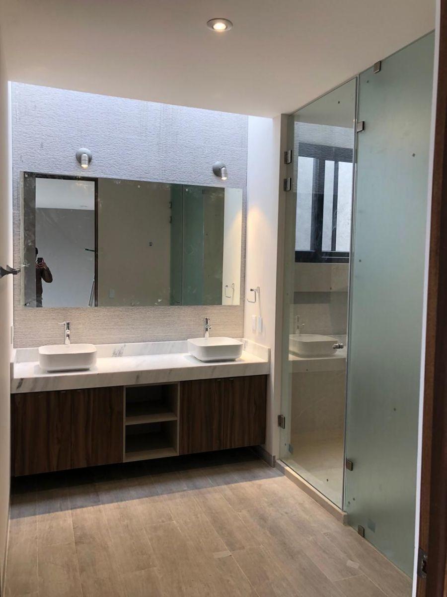 linda residencia en altozano, 4ta recamara en pb, 5.5 baños, cochera techada