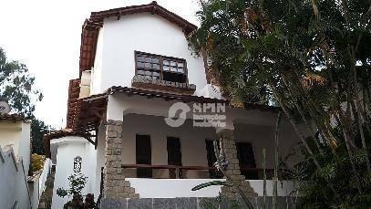 linda residência recém reformada, em terreno de 550m², rua tranquila e sem saída, entre ingá e icara . - ca0219