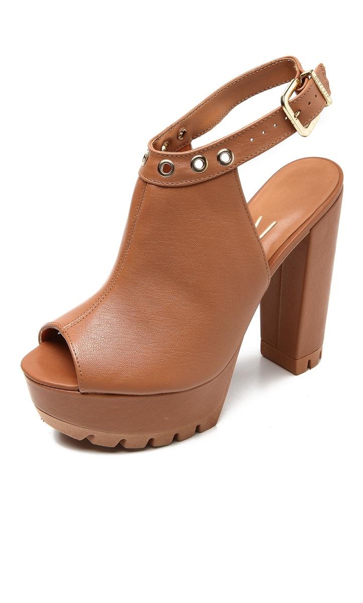 83992bd76c linda sandália vizzano meia pata detalhe de ilhós camel. Carregando zoom.