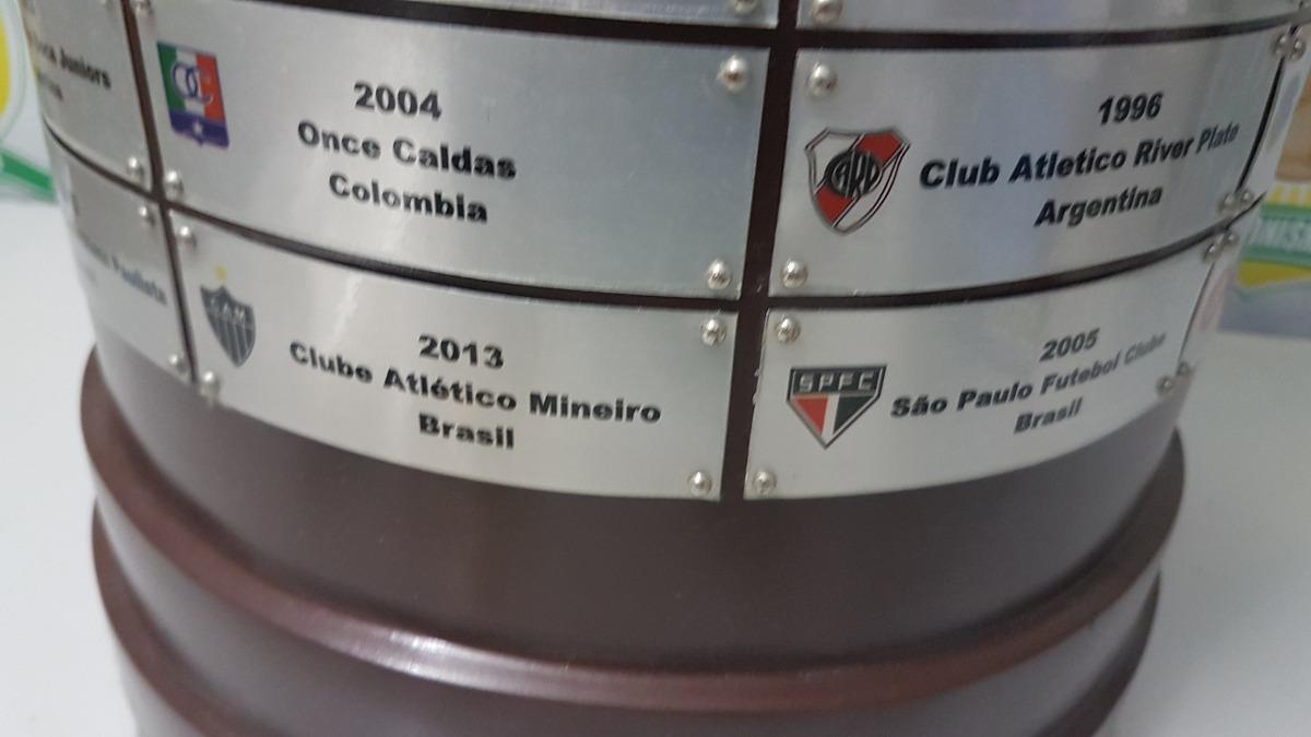 d09c7a41b1 Linda Taça Libertadores Da America Tamanho Original Futebol - R ...
