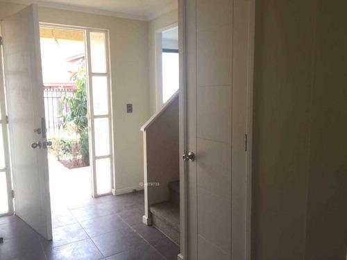 linda y acogedora casa dos pisos. /  alto el manzano.