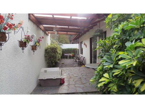 linda y acogerdora casa en altos de chiguayantecon: precio rebajado