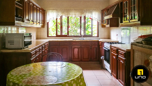 linda y amplia casa en venta condominio la hacienda 1