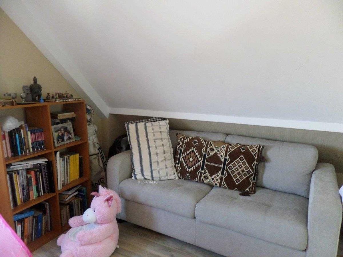 linda y comoda casa 3 pisos, sector los almendros,