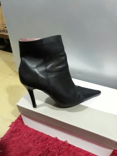 lindas botas negras vía uno cuero 36