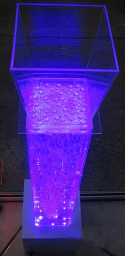 lindas colunas de acrílico com água e led 16 cores