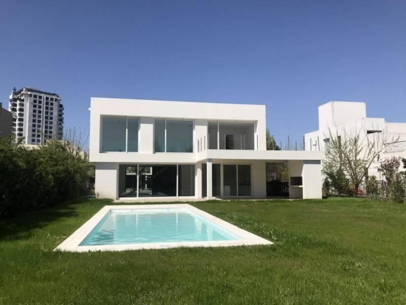 lindísima casa a estrenar estilo moderno en el barrio santa maría de tigre