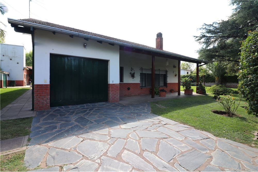 lindisima casa en venta con pileta jardin quincho