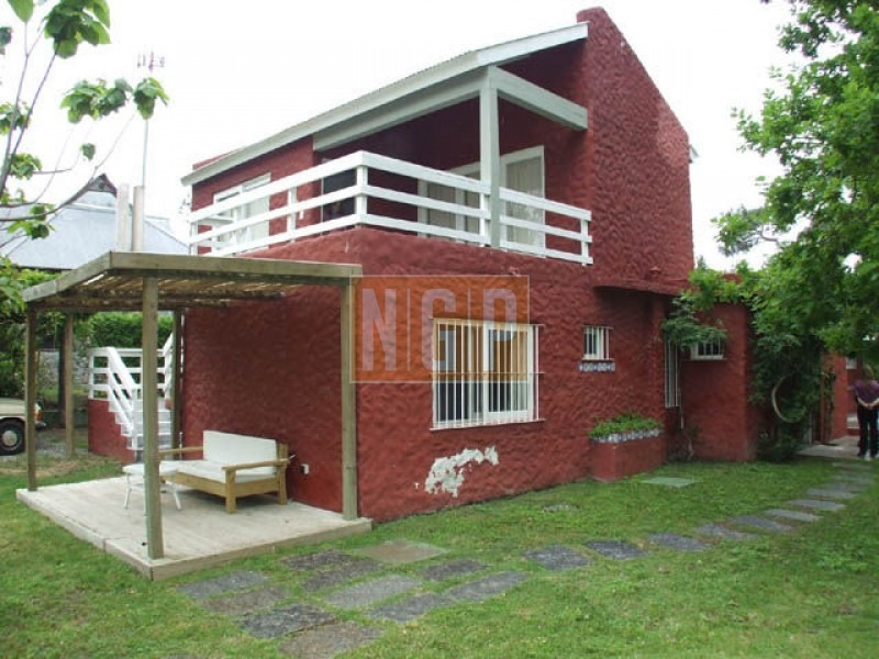 lindisima casa muy bien decorada-ref:19005