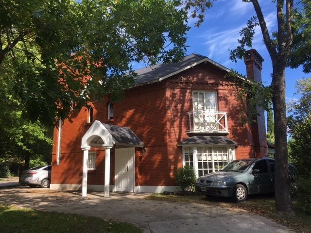 lindisima casa sobre lote interno en el barrio privado - bermudas