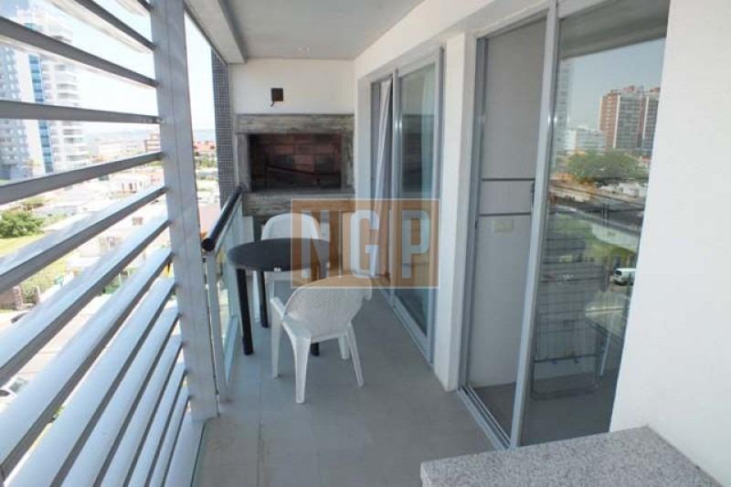 lindisimo con servicios terraza con parrillero -ref:3154