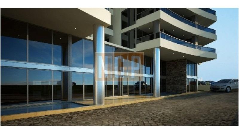 lindisimo edificio con todos los servicios-ref:14507
