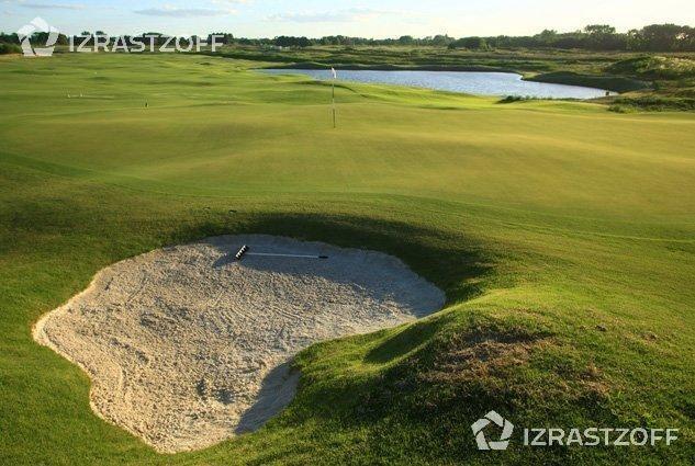 lindísimo terreno con vista hacia el golf