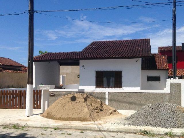 lindíssima casa, em itanhaém jd. califórnia, bom acabamento