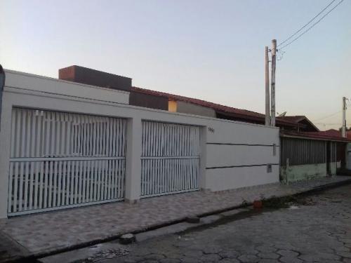 lindíssima casa no jardim suarão, em itanhaém