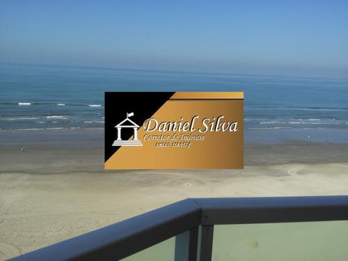 lindo apartamento 2 dormitórios frente para o mar