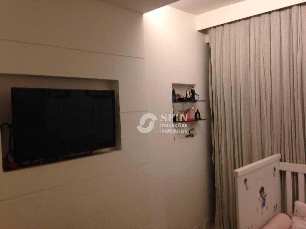lindo apartamento 2 quartos (1 suíte). 2 vagas. vista maravilhosa para mar e museu (mac) - ap0153