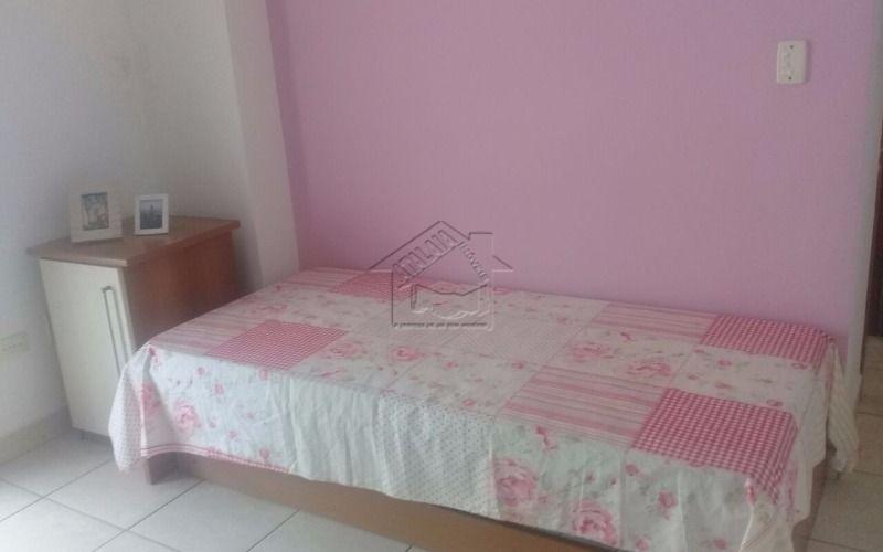 lindo apartamento com 3 dormitorios sendo 1 suite.