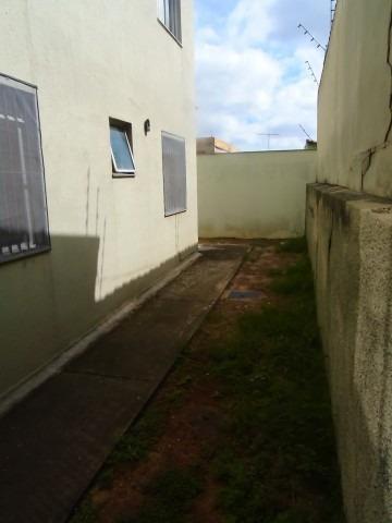 lindo apartamento com areá privativa bairro arvoredo contagem todo montado com armários - 5761