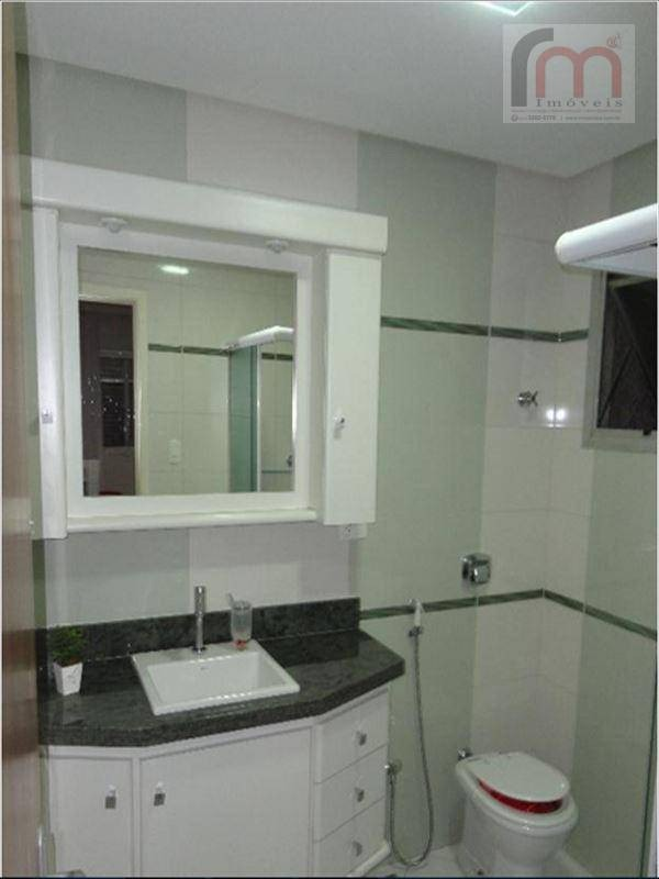lindo apartamento, com moveis planejados, localização excelente. agenda já sua visita - codigo: ap0130 - ap0130