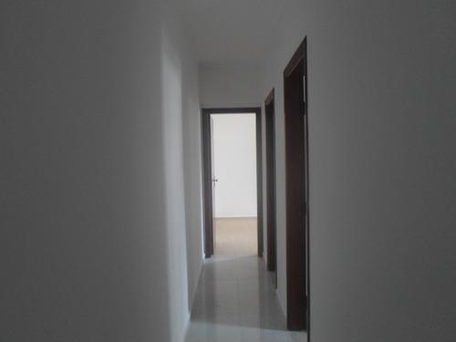 lindo apartamento de 2 dormitórios sem uso no canto do forte