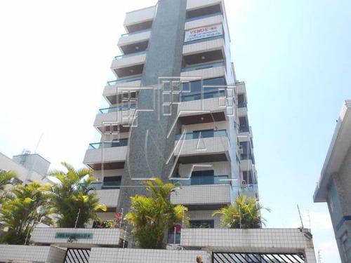 lindo apartamento no canto do forte , prédio com elevador e área de lazer , aceita financiamento bancário próximo ao comercio ,posto de saúde , área de lazer principal da cidade