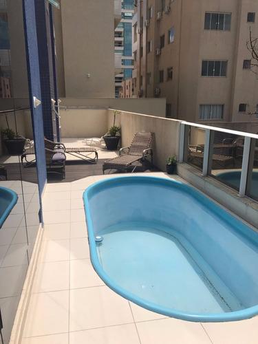 lindo apto na quadra do mar! amplo terraço com piscina