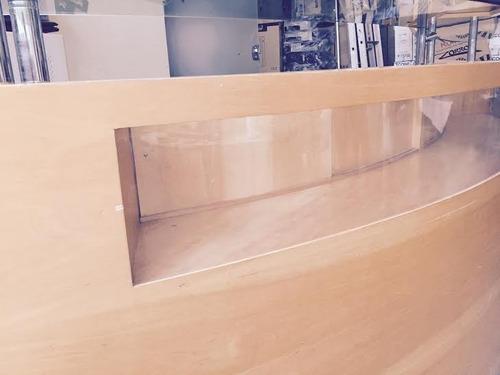 lindo balcão de madeira, alto acabamento, ideal para lojas