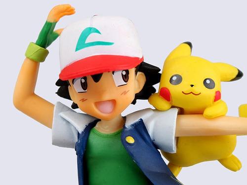 lindo boneco ash ketchum, pikachu e charmander pokémon