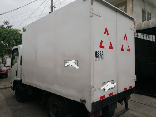 lindo camión con furgón