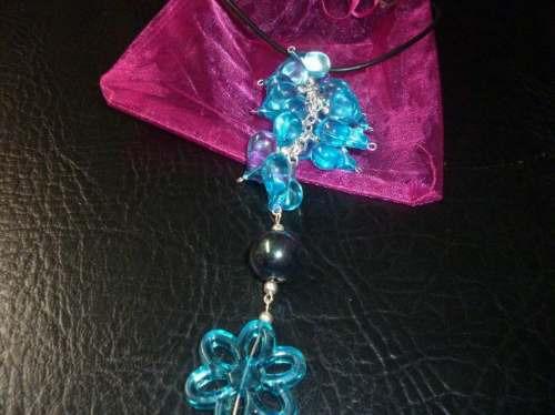 lindo collar original para regalo, con su bolsita....