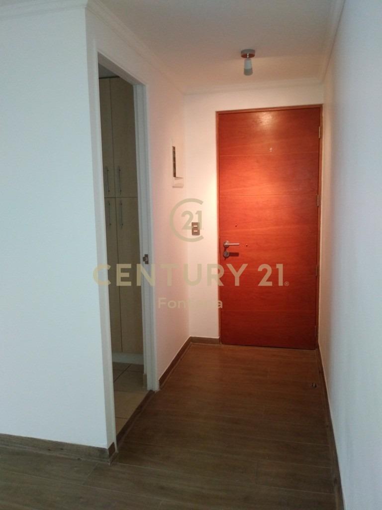 lindo departamento en sector residencial