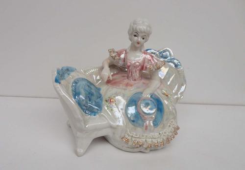 lindo grupo escultórico em porcelana inglesa -década 1950
